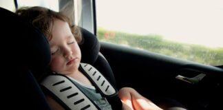 Sicurezza per i bimbi a bordo: in arrivo l'obbligo dei sensori anti abbandono