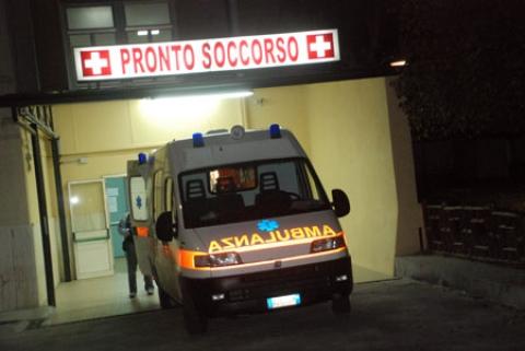 Ambulanza al pronto soccorso