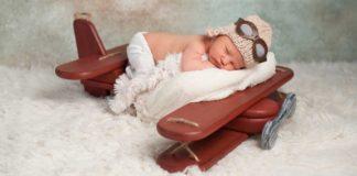 aereo con neonato