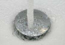 come pulire lo scarico della doccia