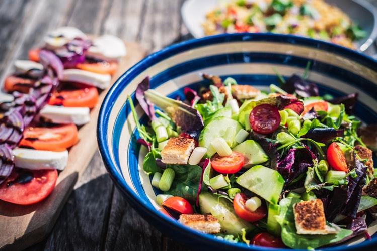 I benefici per ambiente e salute di dieta mediterranea e altri cibi tradizionali