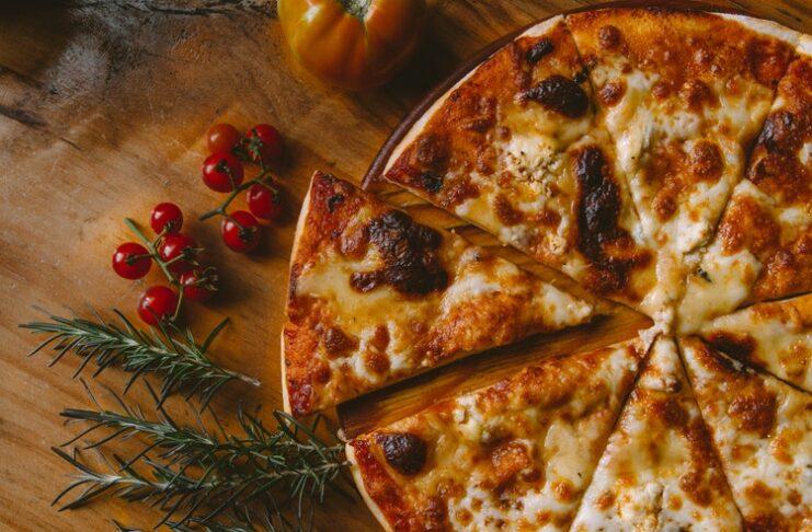 дегустатор пиццы