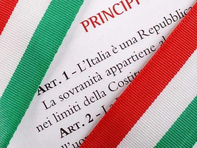 L'Italia scesa in piazza con il tricolore