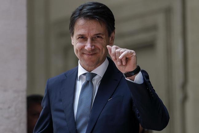 "Giuseppe Conte e la ""fanfara de l'educatorio"""