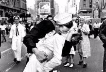George Mendonsa bacio a Times Square