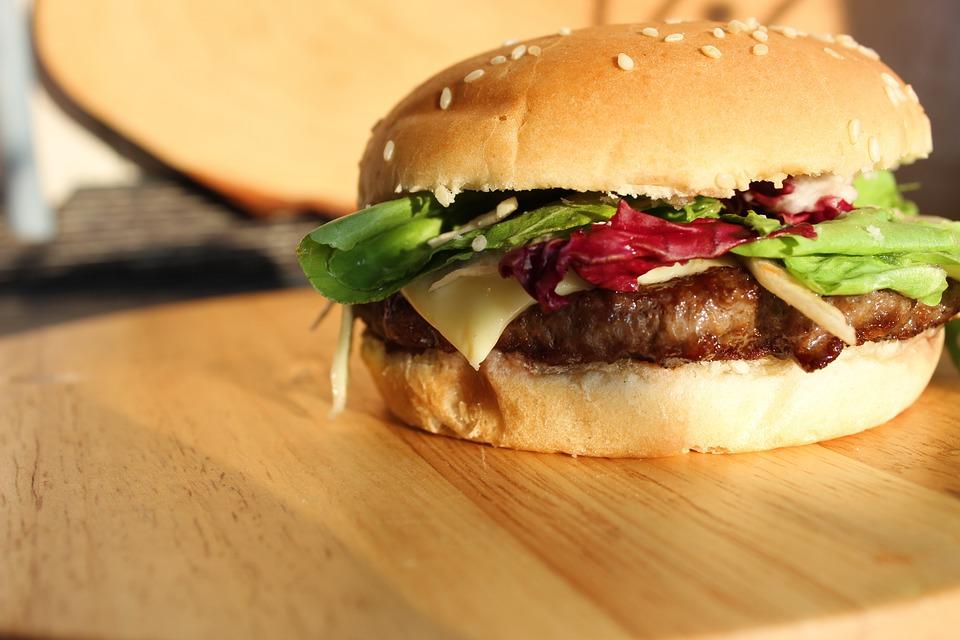 Staminali: hamburger di clean meat