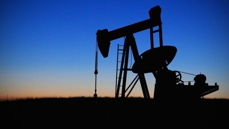 L'Iran scopre un maxi giacimento di petrolio