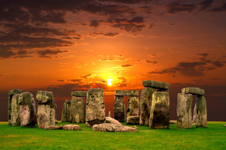 Dalle ore 16 del 21 entra il solstizio, quindi nuova luce e il sole dell'estate.