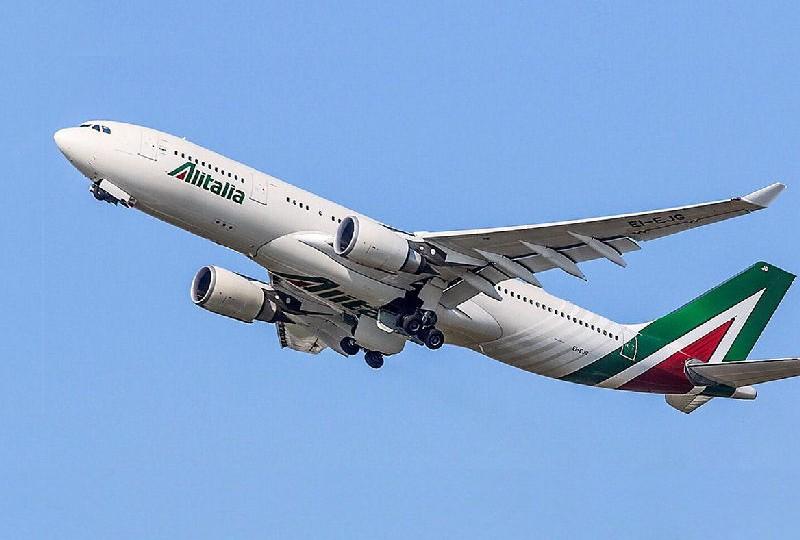 Alitalia: Di Maio, mi dicono che è in arrivo un'offerta da Atlantia