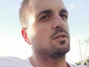 Travolto ed ucciso da un Suv mentre passeggiava con il figlio di 6 anni (illeso)
