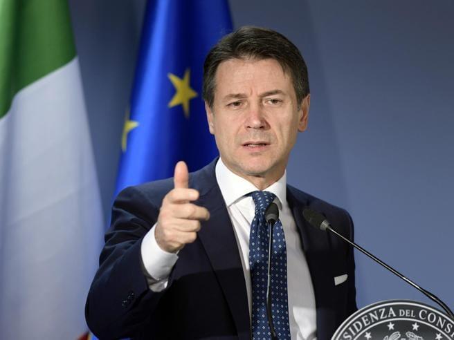 """Conte, un """"tecnico"""", gigante tra politici nani"""