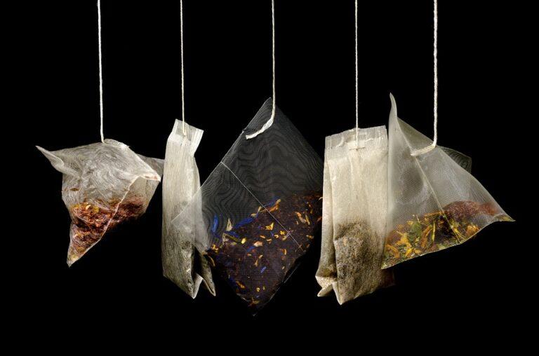 Il pericolo microplastiche nelle bustine del tè