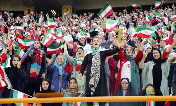 iran donne allo stadio dopo 40 anni
