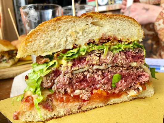 Roma: Knick Knack Yoda, Hamburger, Wine Bar