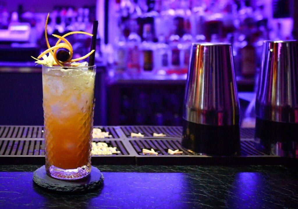 Турин: Barz8, коктейль-бар