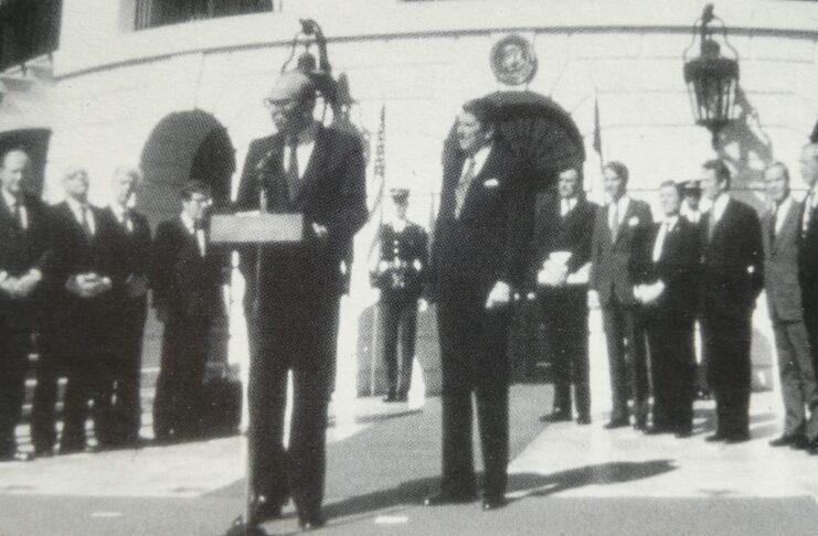 Craxi parla davanti al Senato USA