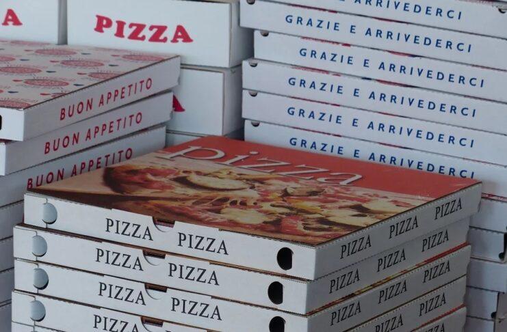 В Милане бесплатная пицца для медсестер, работающих в чрезвычайной ситуации Коронавирус