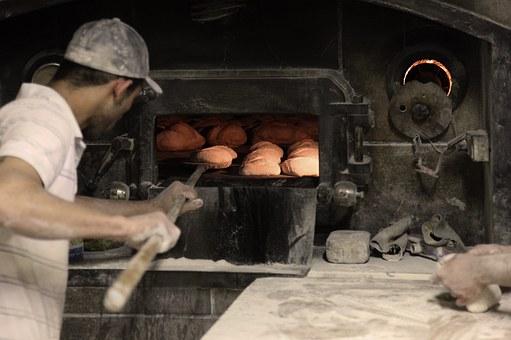Gli artigiani del cibo sono una risorsa per il nostro paese. Photo credit: Luisb by Pixabay
