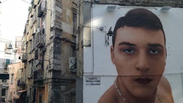 Murale del baby rapinatore ai Quartieri Spagnoli